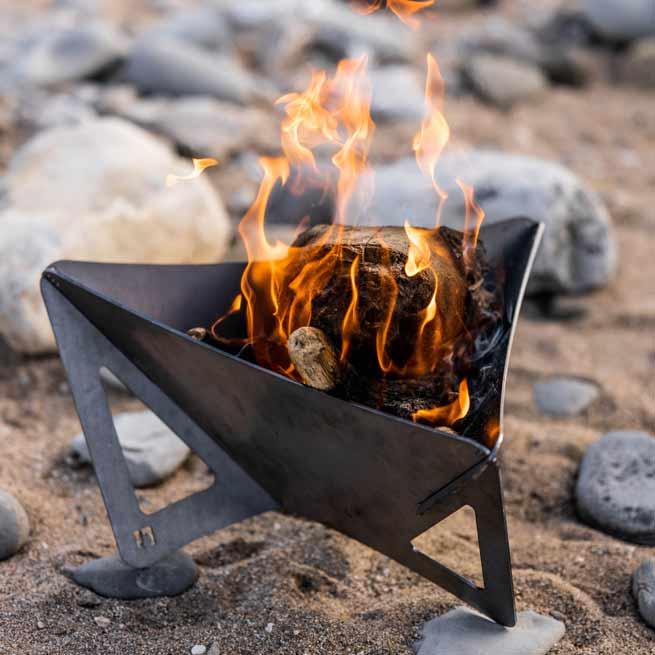 Arada Small Delta Fire Pit